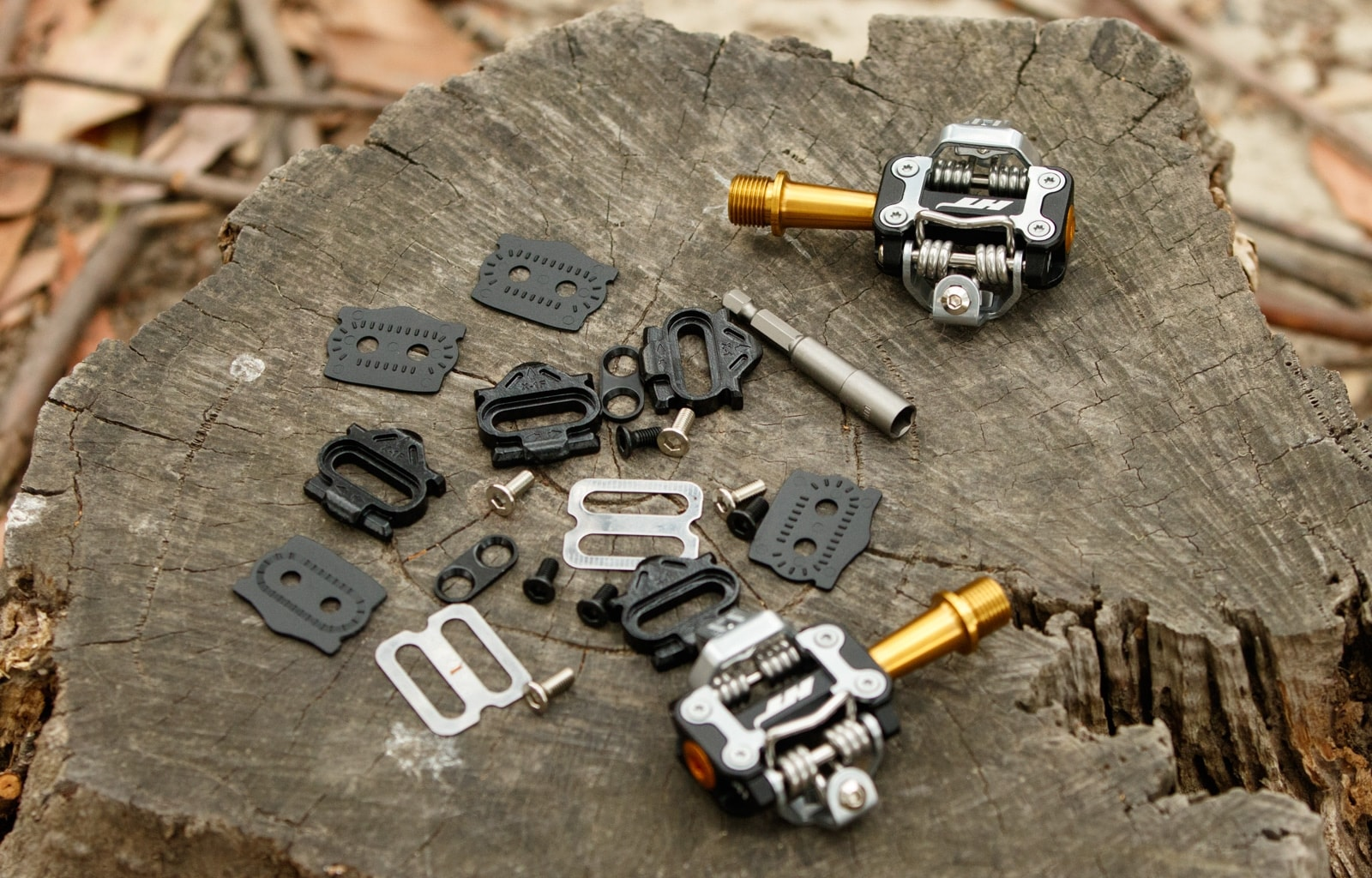 HT M1T Titanium pedals and included hardware