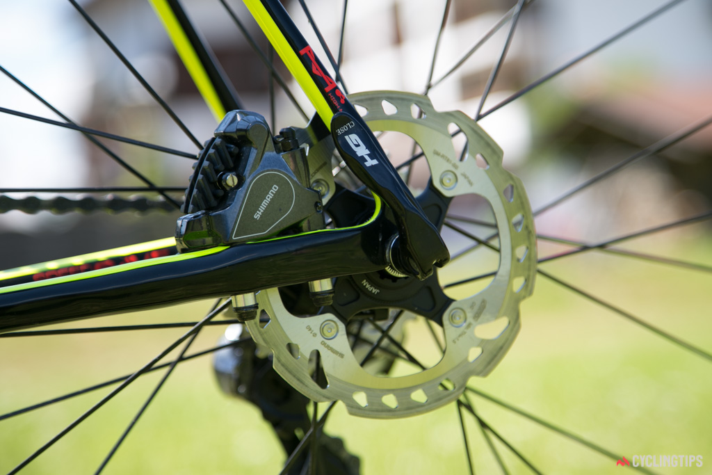 The Evo Hi-Mod disc features a quick-release axle at the rear, to save weight and make wheel changes easy for the pros.