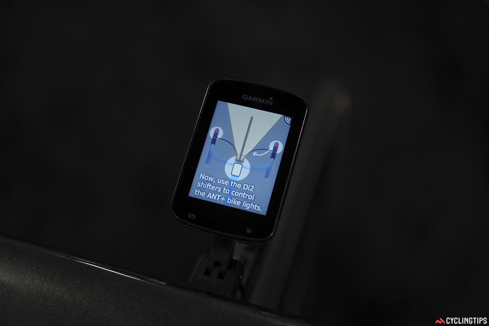 Ever wondered what those mystery buttons on top of Shimano Di2 levers did? Wonder no more, as you can use them to control a few different functions on the most recent Garmin Edge computers.