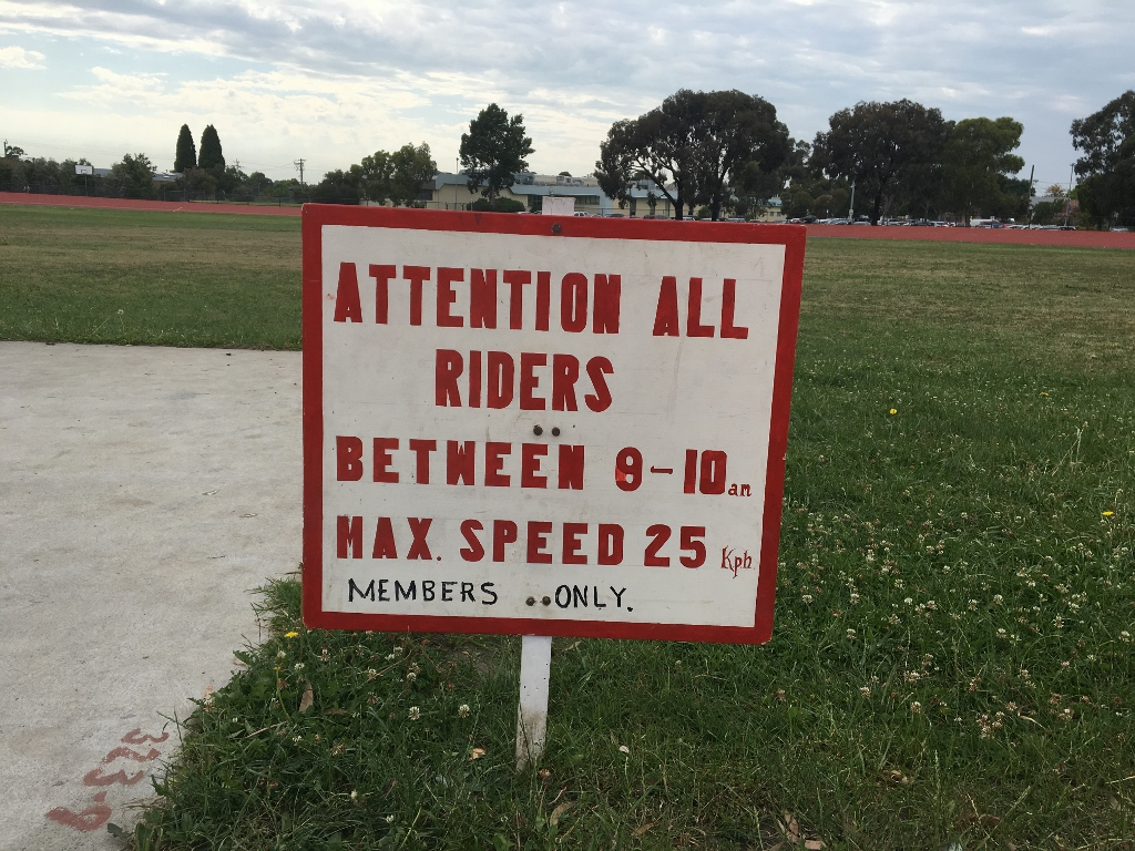The Golden Oldies have a speed limit to ensure safety and a social atmosphere. Road bikes are used on the flat track, with cups of tea, coffee and cookies provided afterwards.