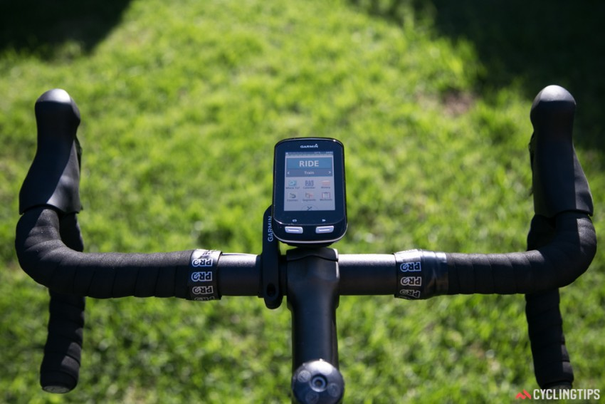 Garmin Edge 1000 on the out-front mount with the home screen showing.