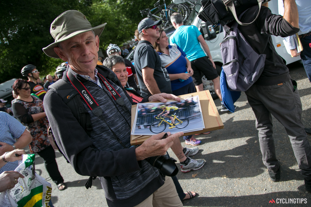 There were plenty of fans at the race looking to get photos and jerseys signed by Froome.