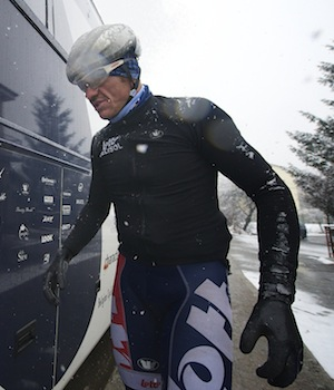 Hansen climbs on to the team bus during the epic 2013 edition of Milan-San Remo.