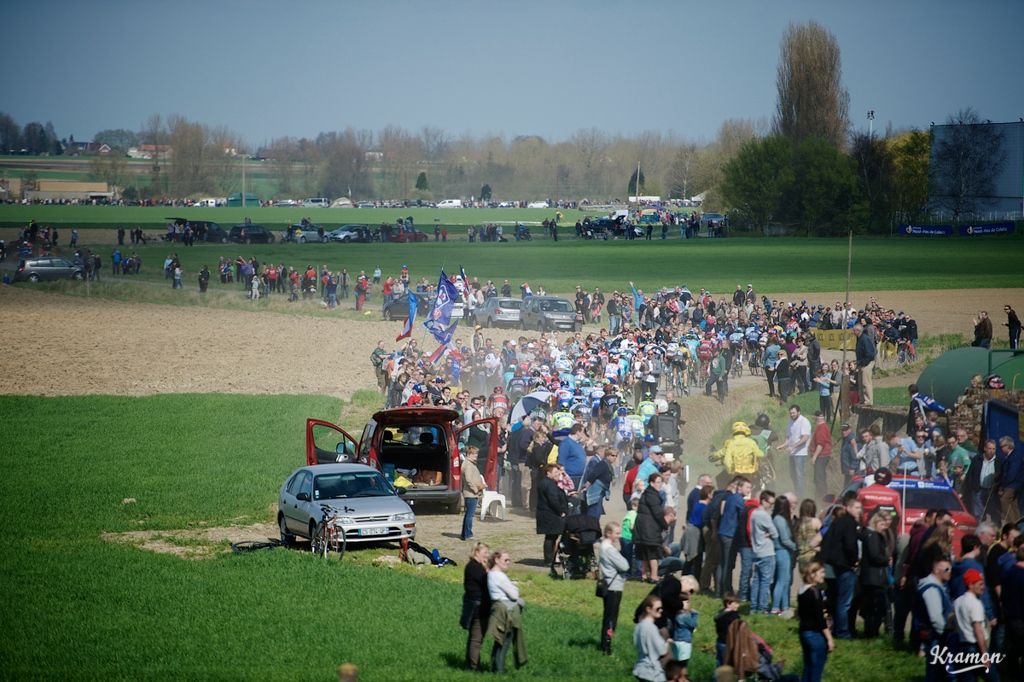 The peloton attacks sector 12: Orchies.