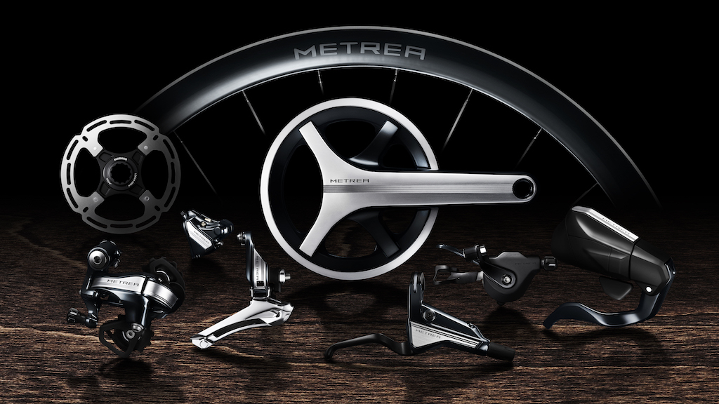 """Shimano's new Metrea U5000 component group, and wheels, are """"tuned for urban riding, from brisk commutes to comfortable neighborhood jaunts."""""""