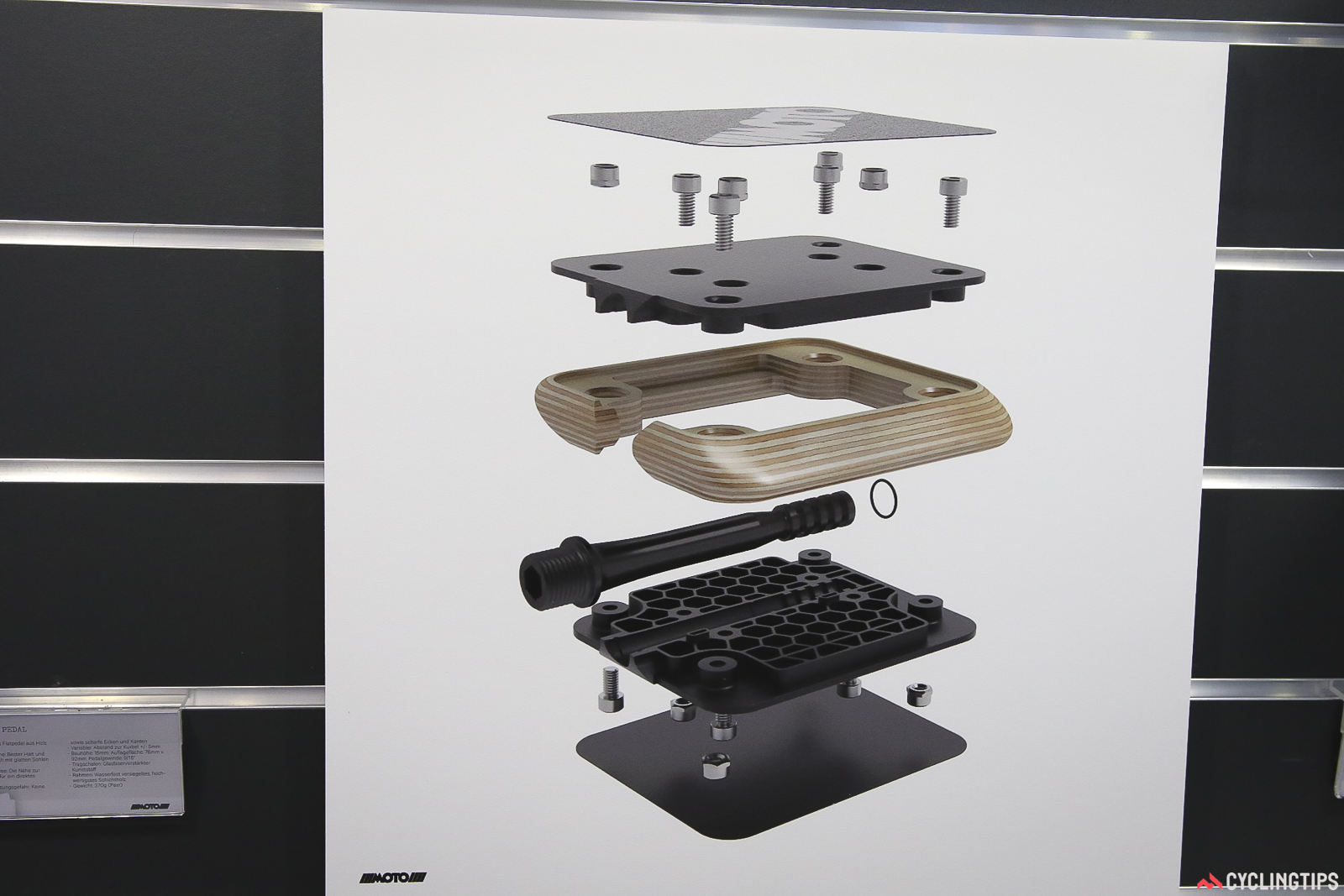 Moto pedals expanded