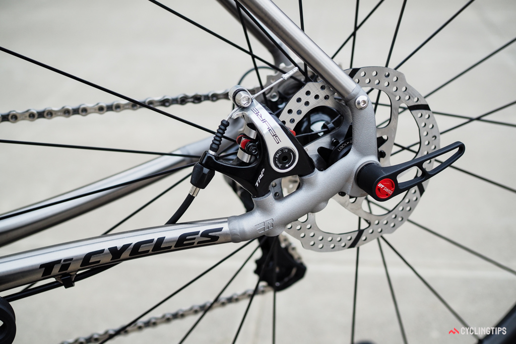 The Reynolds 3D-printed titanium dropout is intentionally left rough here but there's no reason why it couldn't be finished to match the rest of the frame.