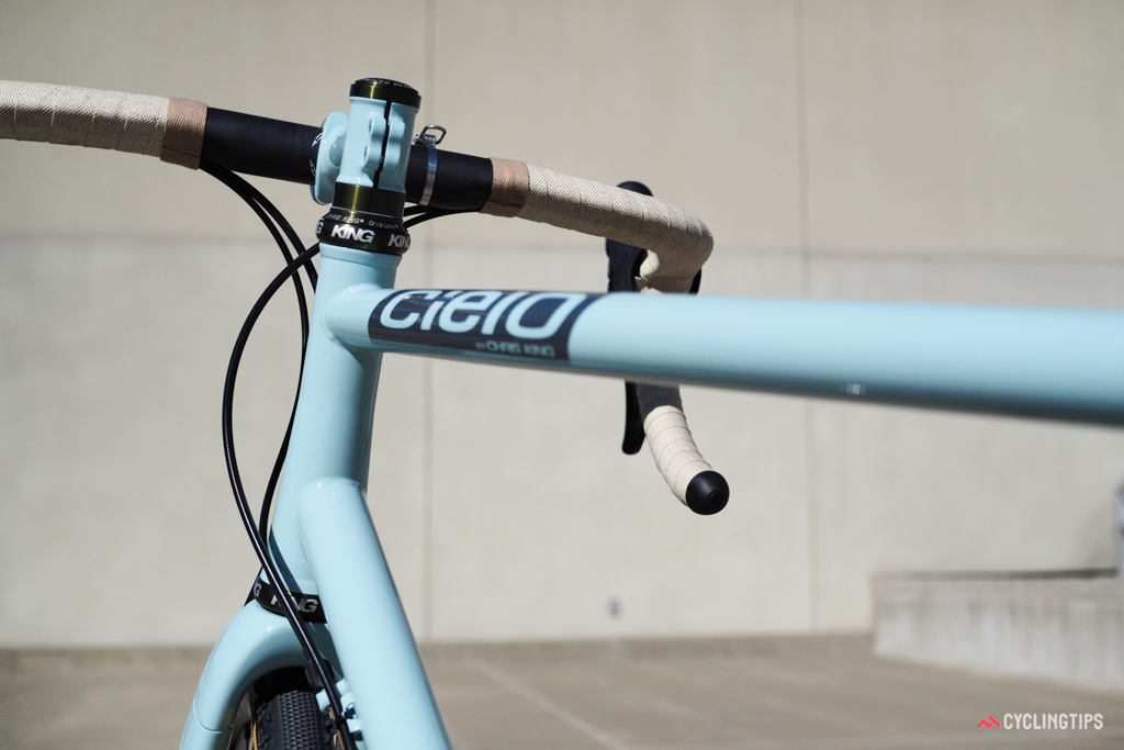 The nicely tapered head tube maintains the elegance of the slim steel tubes while still fitting the latest carbon forks.
