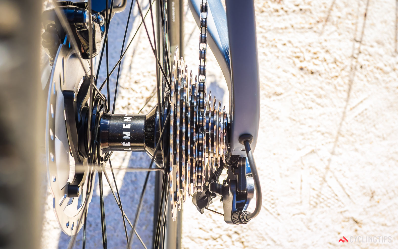 Norco-2018-Search-XR-Carbon-Ultegra-internal-cable