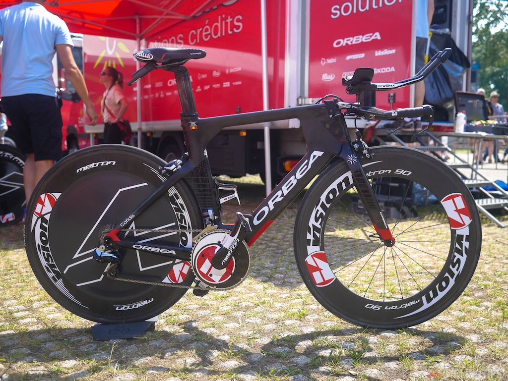 Basque company Orbea had a new TT bike in use by Cofidis: the Ordu. The company has worked closely with Vision and TriRig in the development of products for the new bike.