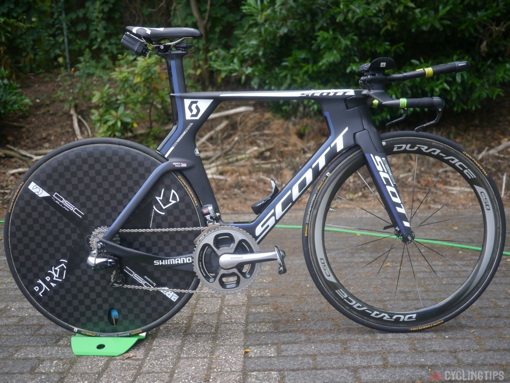 No change at Orica-Greenedge with their time trial bikes. Scott Plasma framestes with full Di2 and a mix ofa Pro Disc wheel and a Dura-Ace C50 tubular.