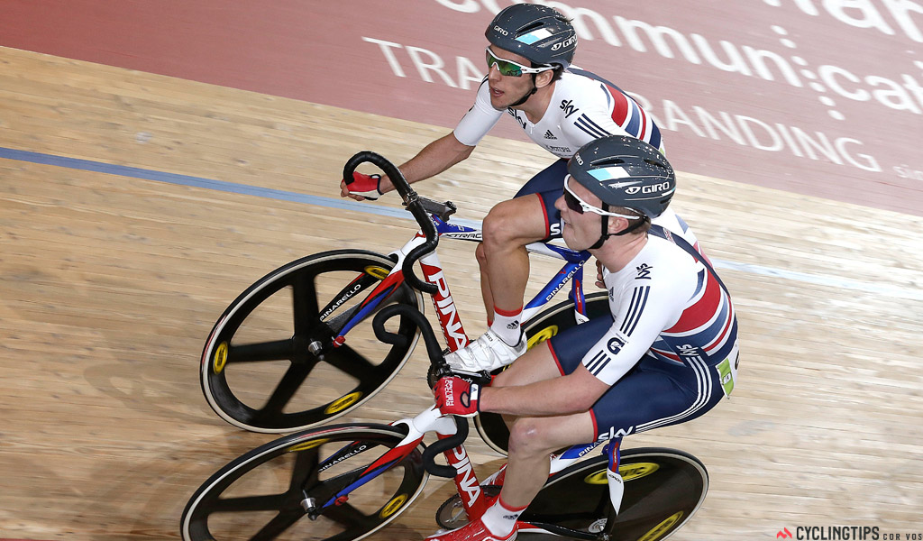 Simon Yates (l) racing on the track with Owain Doull. Doull vouched for him via Twitter after the news of his case emerged.