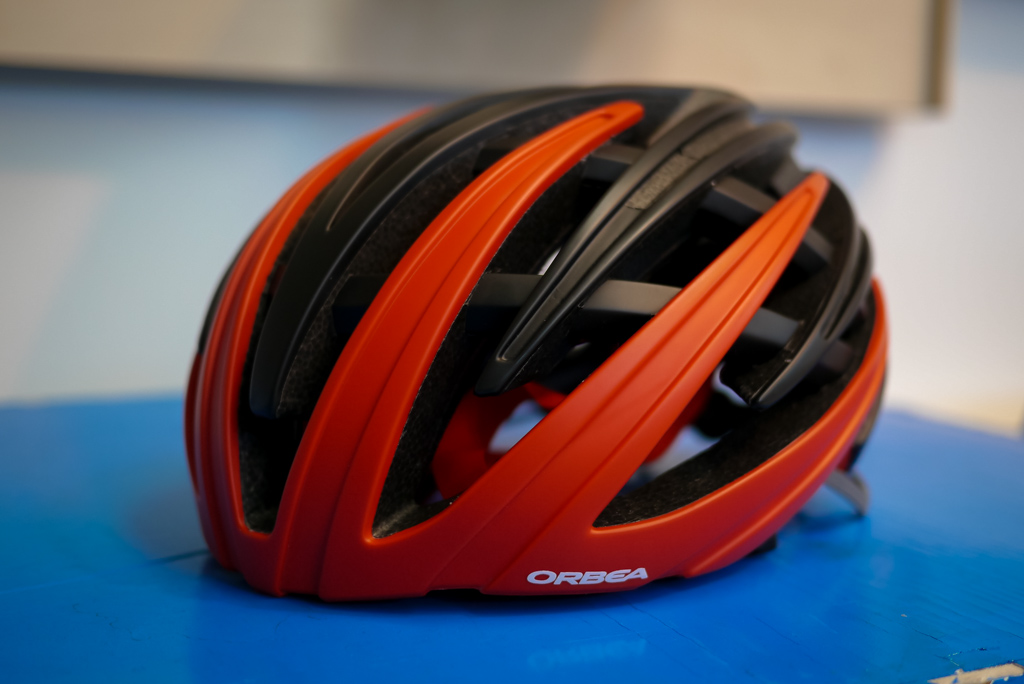 The new Orbea R-10 helmet as used by Cofidis. The origional older models were designed in Australia, now Orbea have partnered with a design company in san Sebastian.