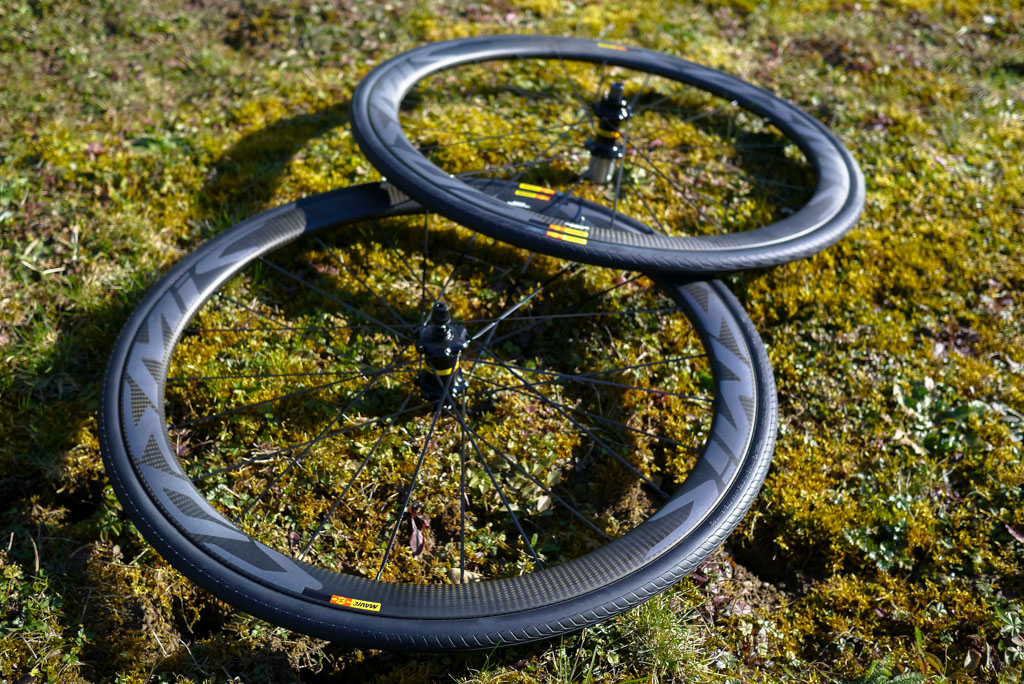 The disc brake version of the Cosmic Carbon SL-C.