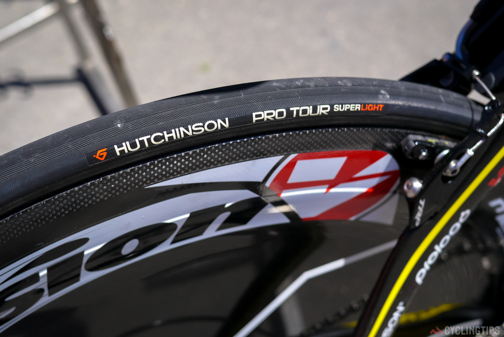 Hutchinson Pro Tour Super Light tubulars in 25 mm were used by the Direct Energy team.