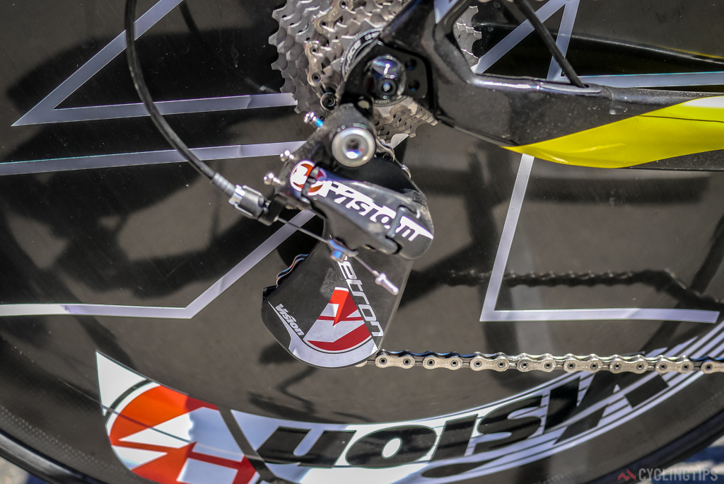 A full Vision Metron mechanical shifting set up was on the Direct Energy bikes.
