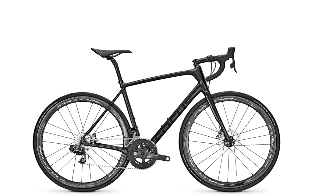 The top-end Focus Paralane comes with SRAM's Red eTap wireless transmission and Fulcrum Quattro Carbon wheels. Retail price is US$TBD / AU$TBD / £4,800 / €6,000. Photo: Focus Bicycles.