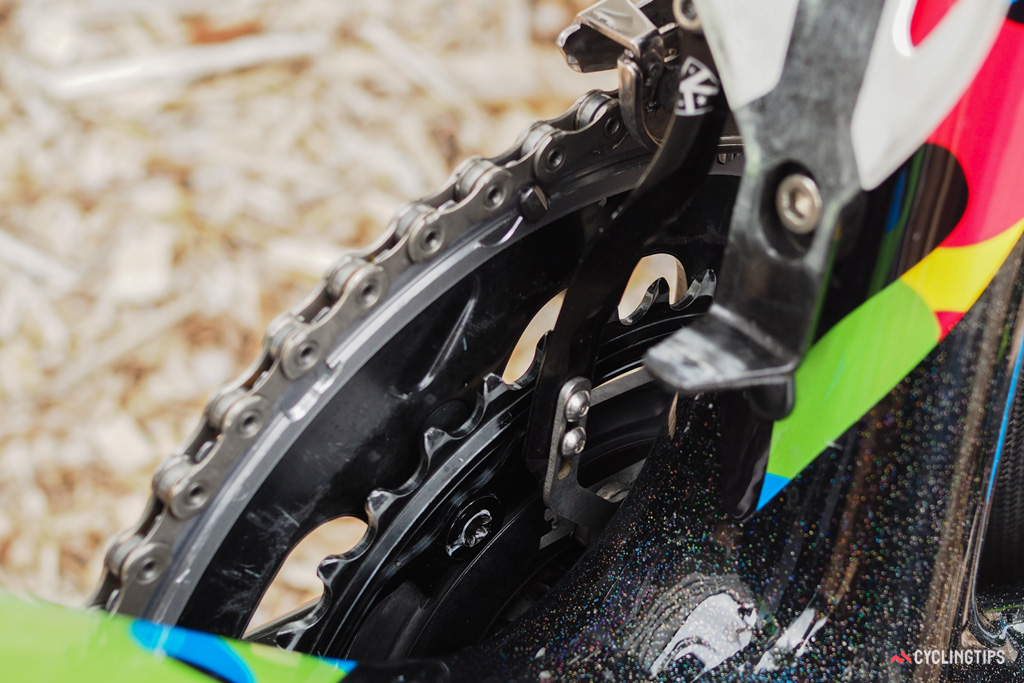 The K-Edge chain catcher features a magnet perched at the end specificially for use with SRM power meters.