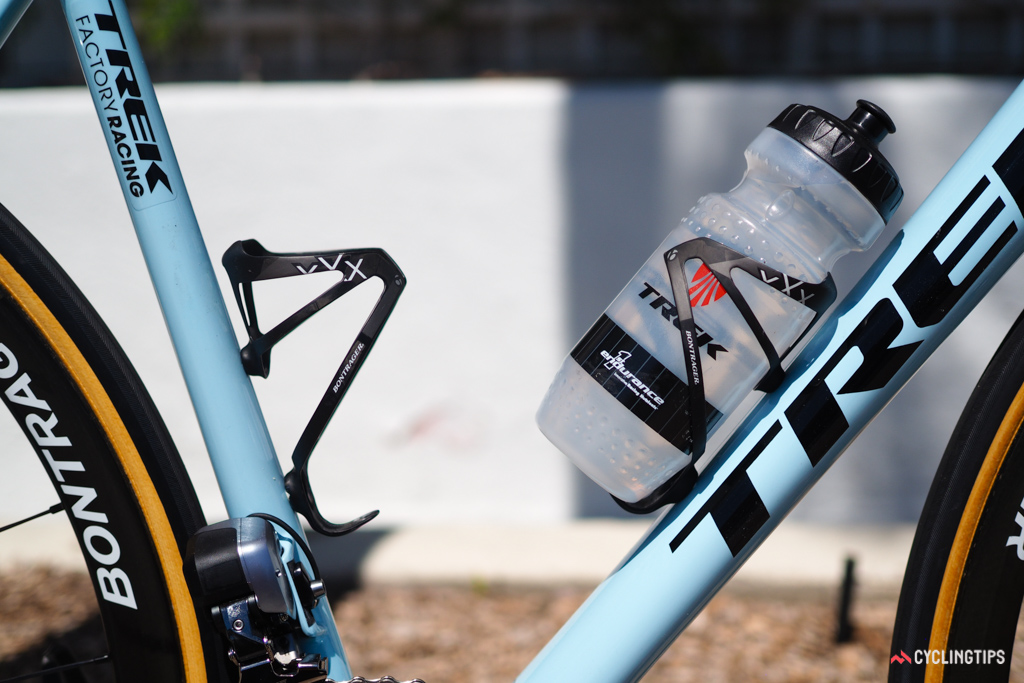 A pair of Bontrager Race XXX Lite carbon fiber cages help keep the bike just barely above the UCI-mandated minimum weight limit.