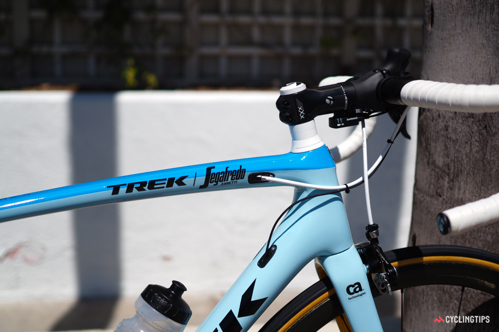Stetina's light blue and yellow paint scheme is supposed to reflect the 'sun and surf' of California.