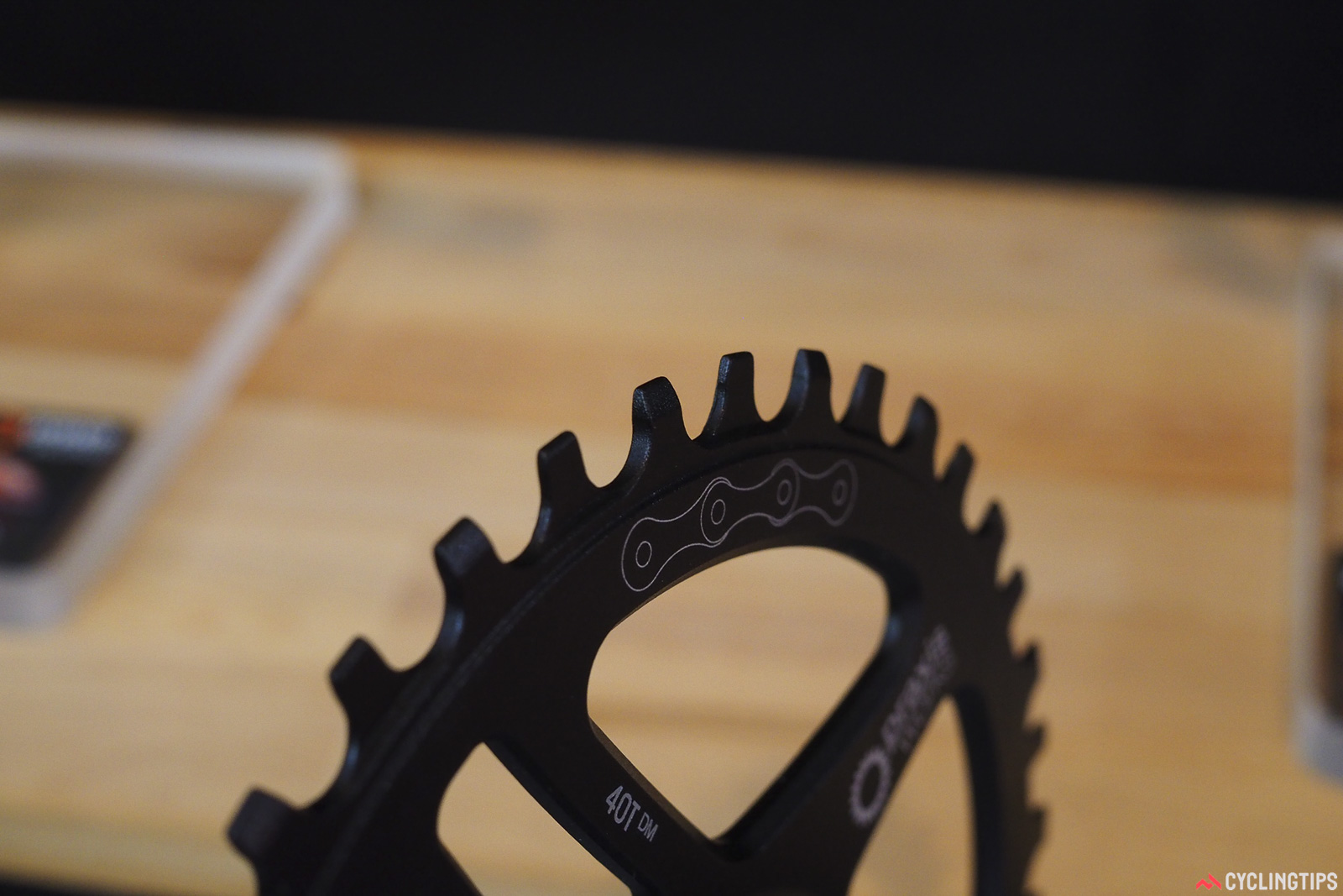 Praxis' 1x-specific chainrings use a new Wave tooth pattern that supposedly provides better retention and improved durability than conventional narrow-wide patterns. Photo: James Huang.