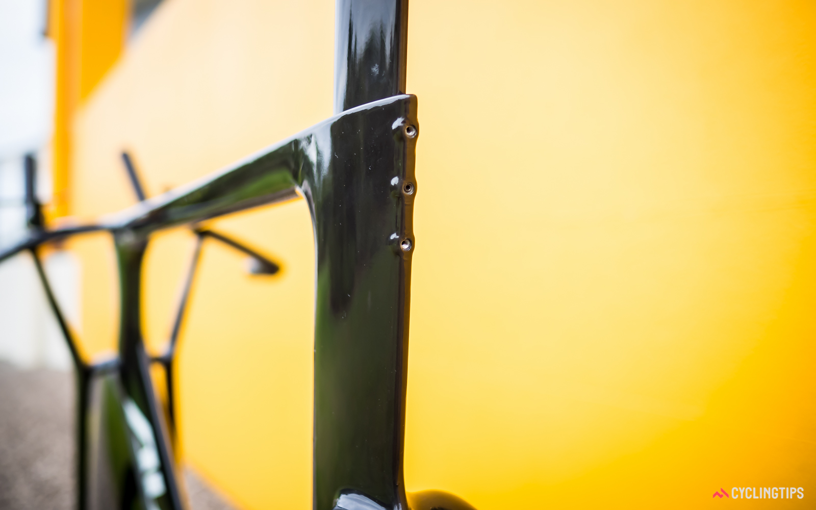 With a floor in the seat tube to secure saddle height, there's only a need for a few grub screws to lock the seatpost into the frame.