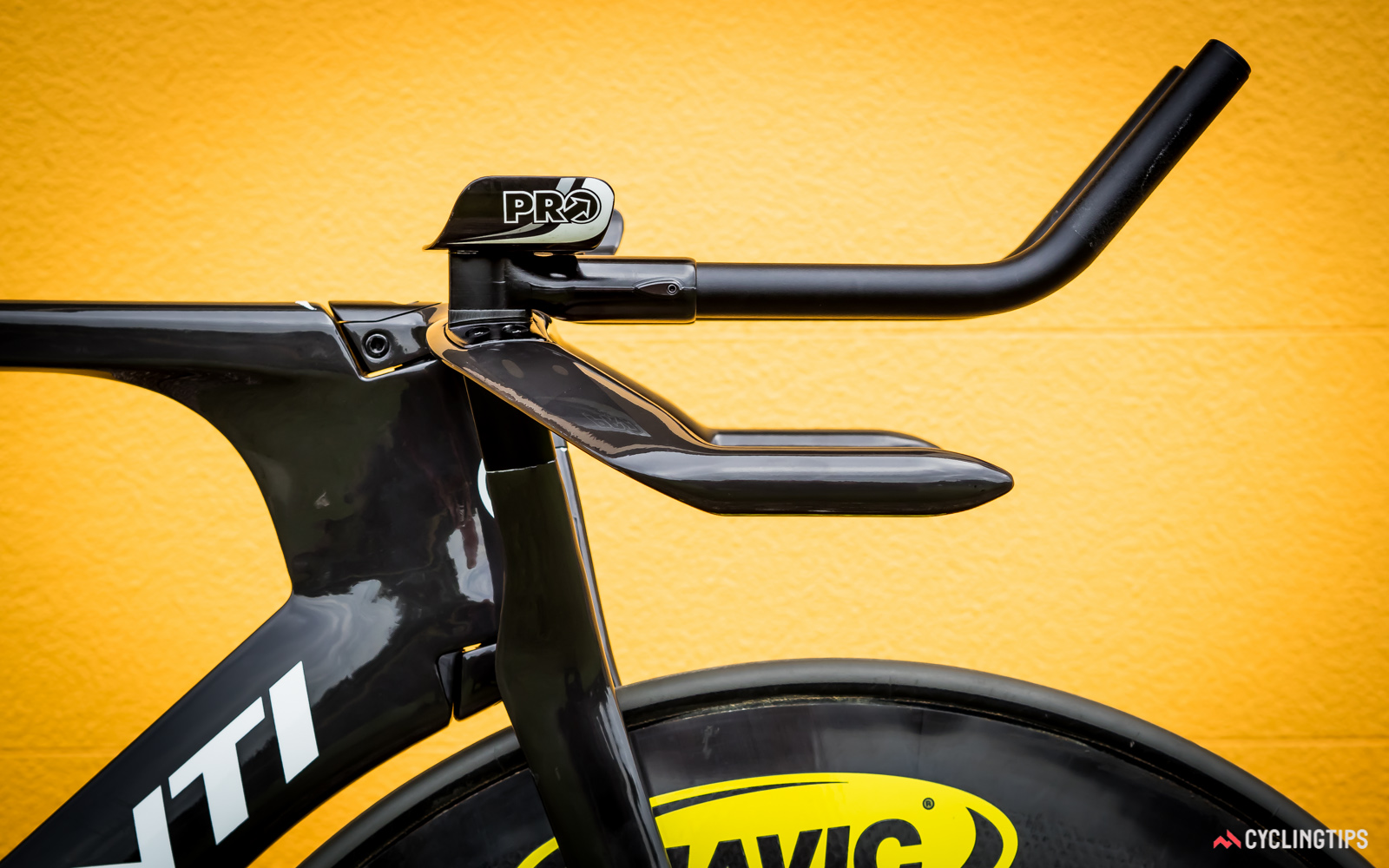 This production version of the pursuit bike makes use of stock handlebar extension: each member of New Zealand's pursuit teams get custom 3D-printed titanium extensions for a perfect fit.