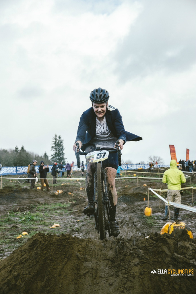 Ella editor Anne-Marije Rook takes on the slalom section of the course