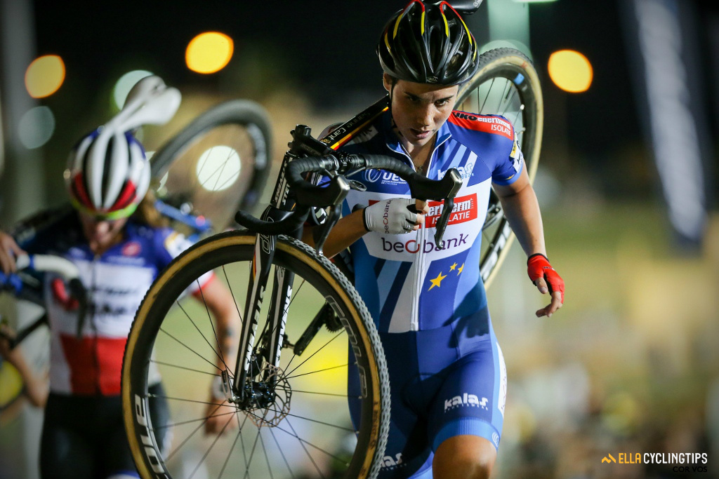 Sanne Cant in CrossVegas, the 2016 Telenet UCI World Cup opener.