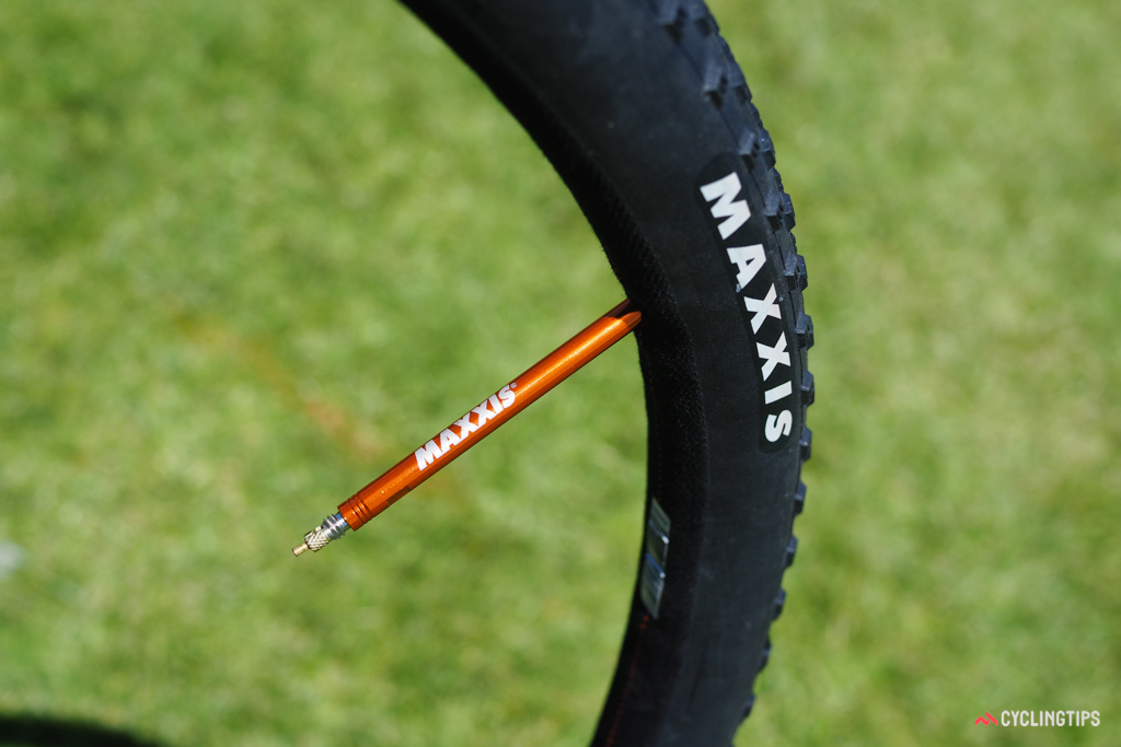 One neat aspect of the new Maxxis Raze prototype tubular tyre is the interchangeable valve stem. Simply instead the length you need with no additional extenders required.