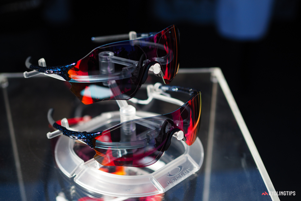 Oakley's new EVZero sunglasses feature the raised centre section of the Jawbreaker and Radar EV but in an ultralight frameless configuration.