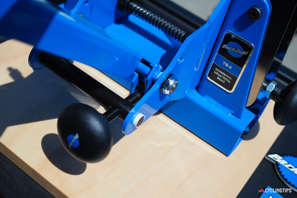 The new mechanism for the gauge arm adjuster has less free slop than before for more precise movement than the TS-2.
