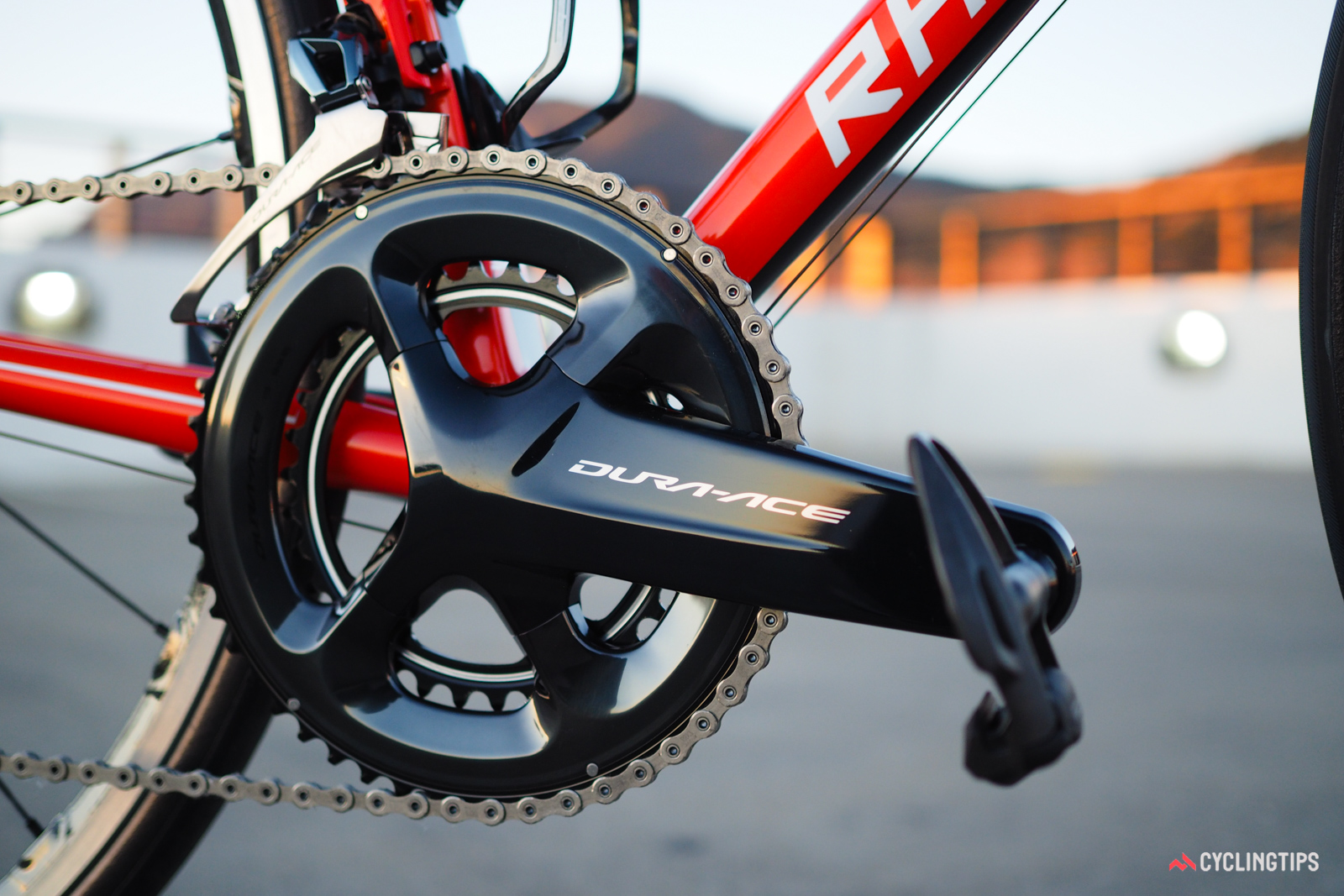 The new Shimano Dura-Ace 9100 crankset has gained an absolutely massive arm profile. The shape may be polarizing to some, but the dark finish will likely be even more so.