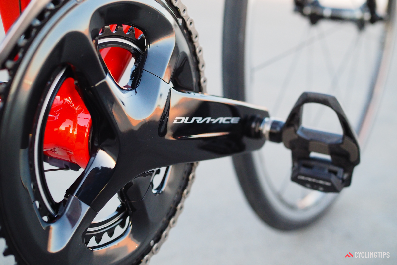 Still made of forged aluminum, the updated crankarm shape is designed to provide extra support to the chainring tab at top right, which Shimano says receives the highest loads when pedaling.