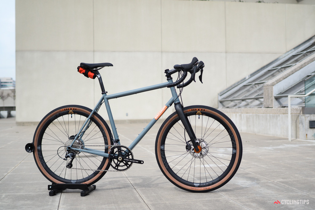 Walling built this bike for himself featuring the new 'Road Plus' 650b x 47mm tire size that's rapidly becoming more popular.