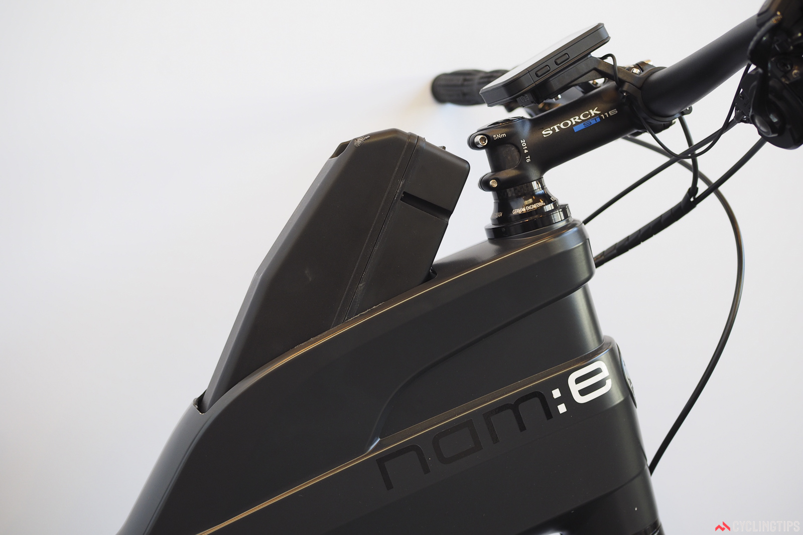 The battery is housed inside the frame and is easily accessible through a small hatch. Photo: James Huang.
