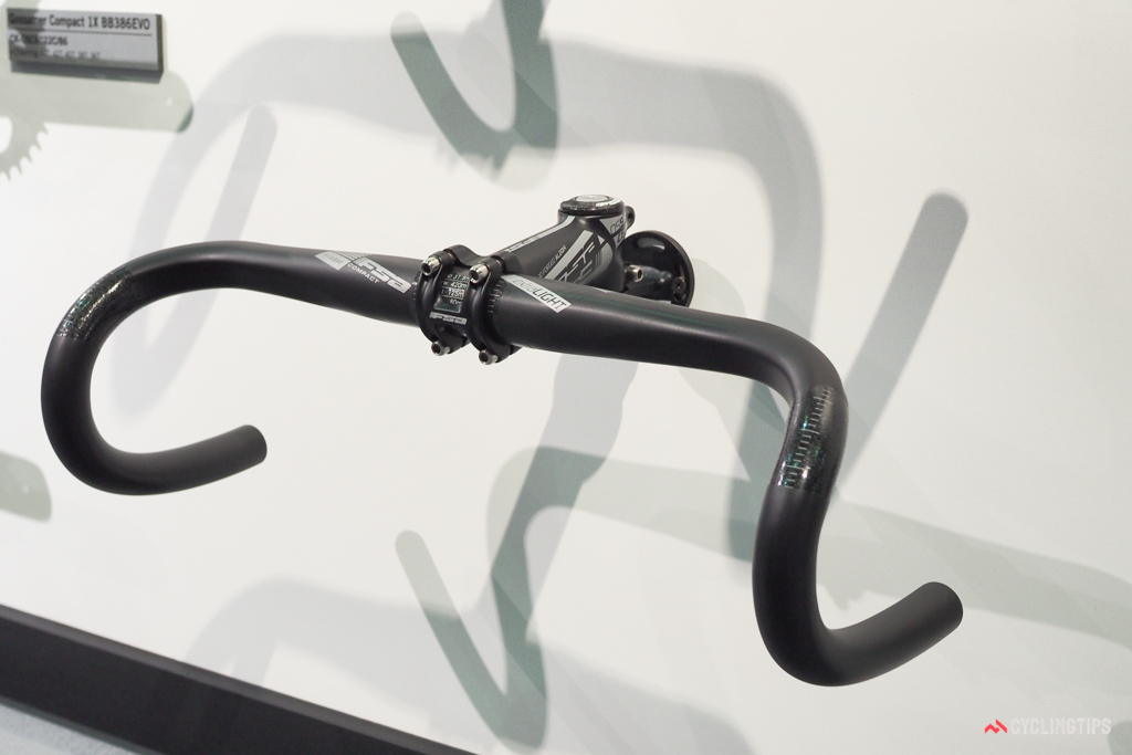 The new FSA extraLIGHT carbon bars are claimed to weigh as little as 170g.