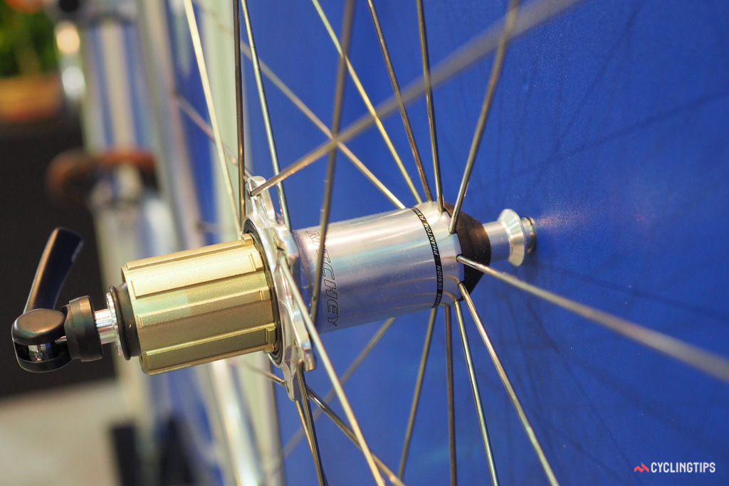 Ritchey's Phantom Flange hub design sports the look of straight-pull spokes but actually uses traditional J-bend ones throughout, making it far easier to source replacements if needed.
