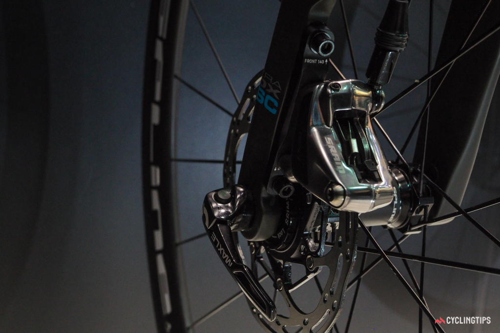 The flat mount brakes on the SwiftCarbon Ultravox DSQ will handle either 140mm or 160mm rotors.