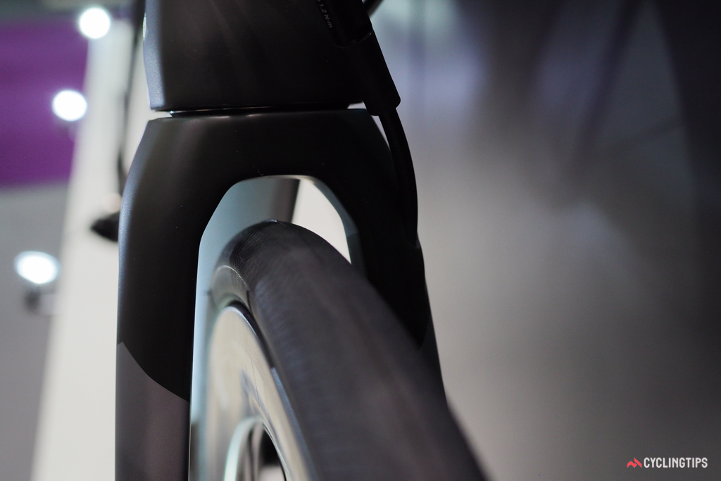 SwiftCarbon hasn't disclosed official figures yet but there looks to be ample room for a 28mm-wide tire on the new Ultravox DSQ.