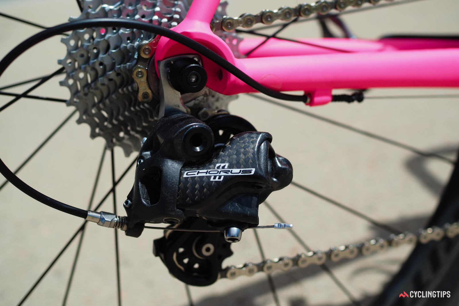 The Campagnolo Chorus rear derailleur doesn't use as much carbon fiber as Record or Super Record but it works just as well. The revised parallelogram geometry provides more chain wrap around each cassette cog than before.