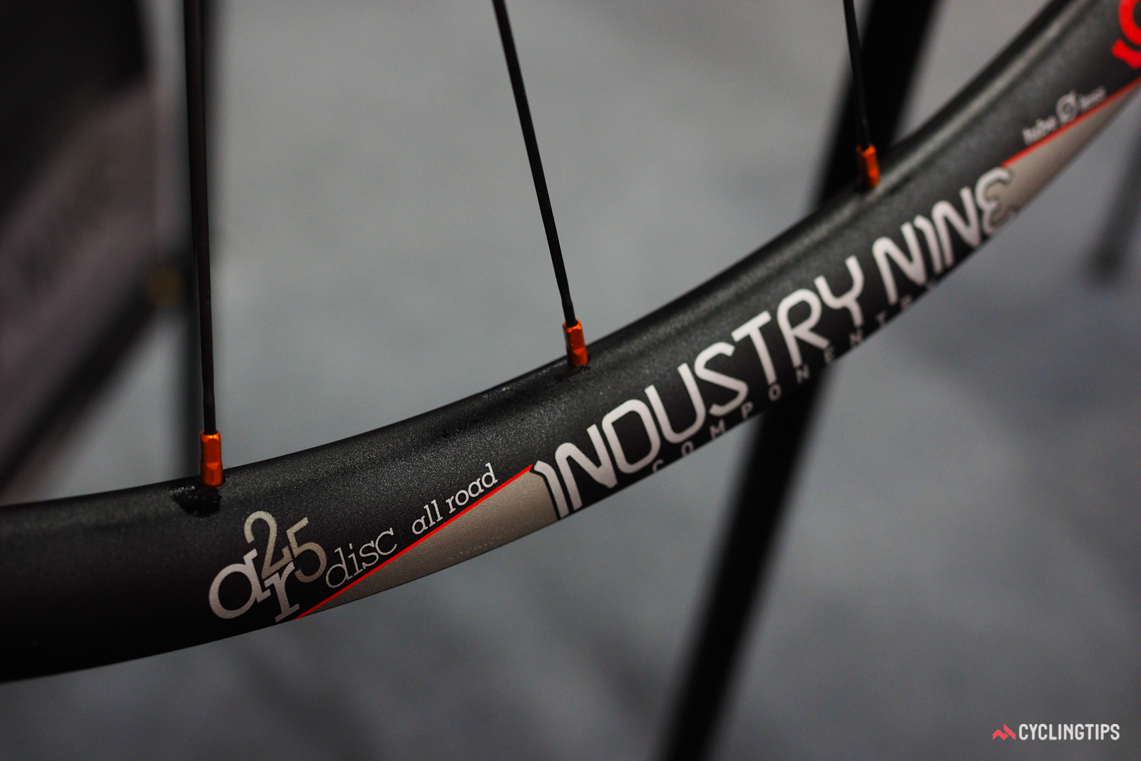Despite the 21.5mm-wide tubeless-compatible aluminum rims, Industry Nine's new AR25 Disc All Road wheelset supposedly tips the scales at just 1,440g, bucking the notion that wider wheels have to be heavier.
