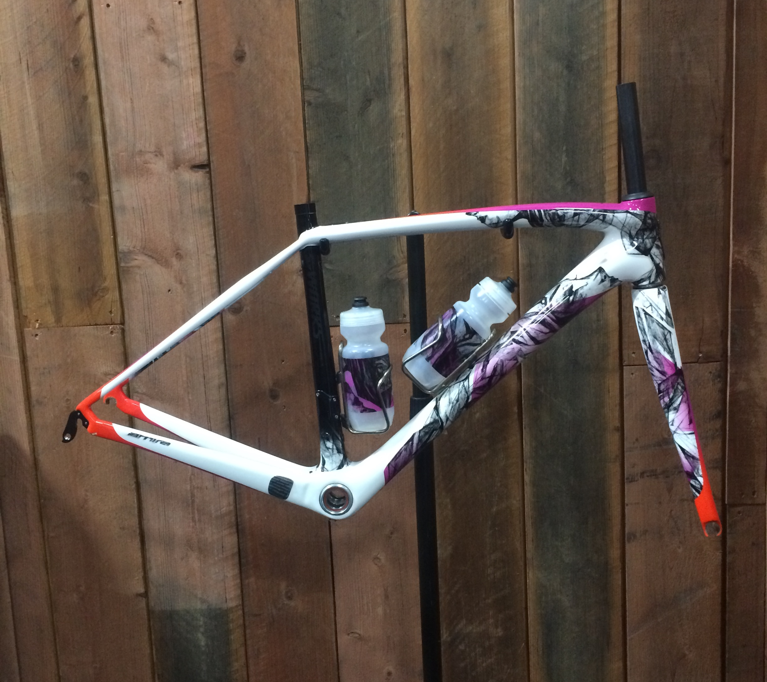 """Special edition S-Works frameset (vogue pattern) """"sadly only available in the USA so I'll have to be content to just drool into my keyboard at this one!"""" said Verita Stewart http://www.specialized.com/us/en/bikes/womens-road/sbuild-road-womens/sbuild-sworks-amira-sl4-frameset"""