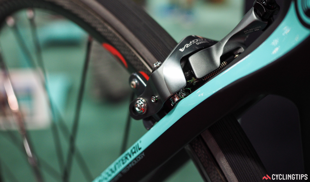 The new Bianchi Oltre XR4 uses direct-mount rim brake calipers front and rear.
