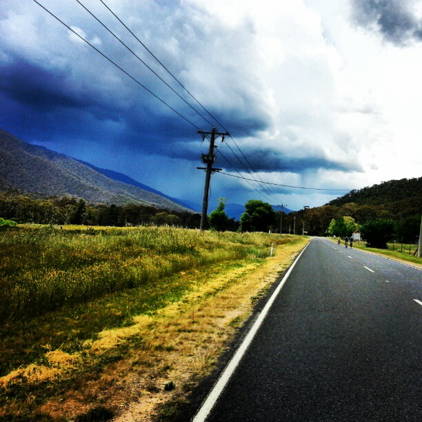 Looks like some big storms forming on Mt Hotham. Wouldn't wany to be up there today (Instagram)