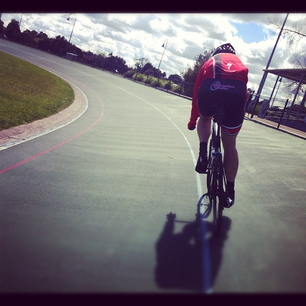 Motorpacing session behind  @leighschill (Instagram)