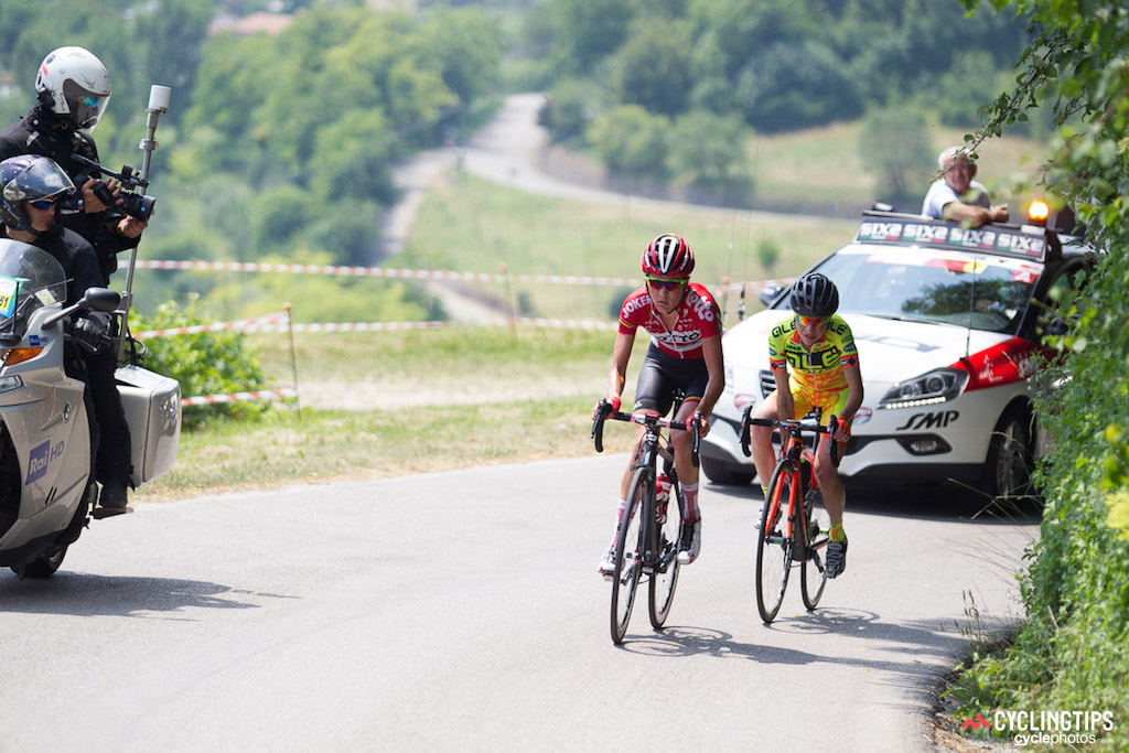 Flávia Oliveira (Alé Cipollini) and Carlee Taylor (Lotto Soudal Ladies) slipped away from the bunch over the first of three categorised climbs.