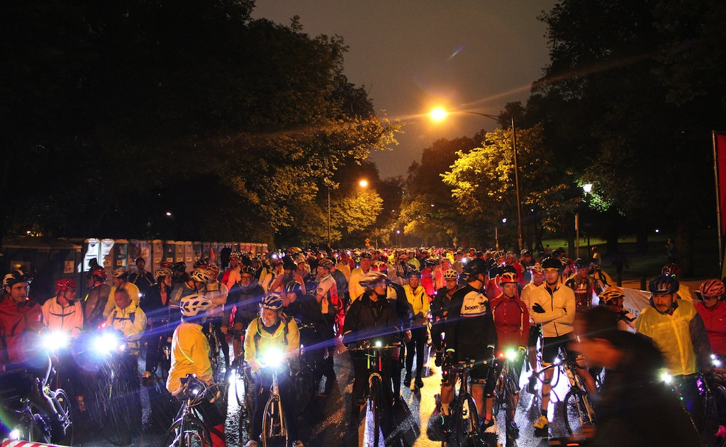 Fluorescent clothing is great during the day but not so good at night. Image: Bicycle Network